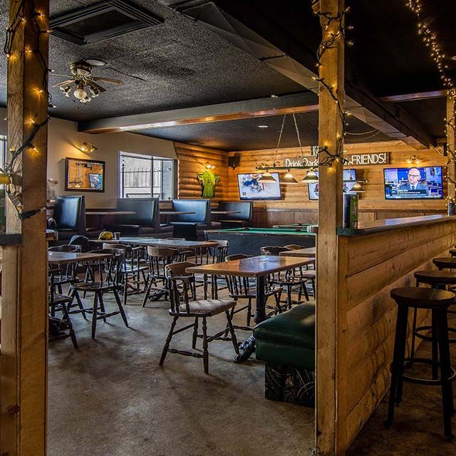 nelly's pub bar, Opens dialog